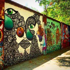 #streetart en Poblenou Barcelona  Foto:#estorninos1 #streetartoficial #streetartphotography #graffitiart #art #graffiti #stencil #urbanart #streetartbcn #streetart_london #barcelonagraffiti #streetarteverywhere #spraypaint #murslliures #street_art_hunter #rsa_graffiti #dbs_graf #tv_streetart #arteurbano #artalcarrer #arteenlascalles #arteurbanobarcelona #urbangraffitisbcn #street2lab #fans_del_arte_urbano by estorninos1
