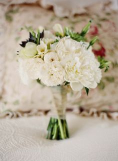 casual and textural small bouquet