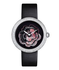 La montre Mademoiselle Privé camélia brodé de Chanel http://www.vogue.fr/joaillerie/le-bijou-du-jour/diaporama/la-montre-mademoiselle-prive-camelia-brode-de-chanel-grand-prix-d-horlogerie-geneve-2013/16263