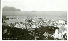 Møre og Romsdal fylke  AALESUND, oversikt mot NV  Utg MIttet stemplet 1918