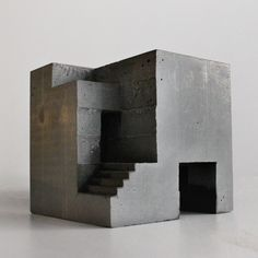 David Umemoto - Cubic Geometry vi-i Sculpture Ornementale, Concrete Sculpture, Concrete Art, Abstract Sculpture, Bronze Sculpture, Concrete Building, Concrete Architecture, Architecture Design, Cubic Architecture