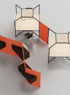 Hub black office desk / ORDER NOW FROM SPACEIST