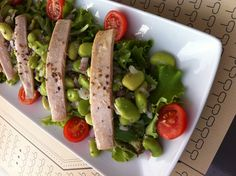 Favinhas novas com ventresca de atum • Baby broad beans with tuna belly. http://www.deliportugal.com/en/catalog/tuna-62825