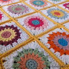 Happy Grannies Blankets, Happy, Stuff Stuff, Tejidos, Blanket, Ser Feliz, Shag Rug, Happiness, Comforters