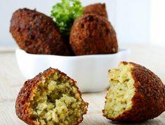 Cantinho Vegetariano: Falafel e Molho de Tahine (vegana)