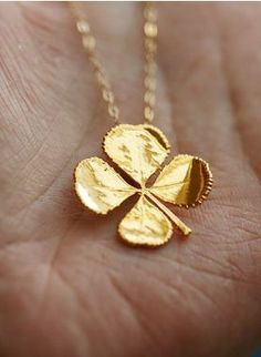 Real four leaf clover necklace in Gold Filled necklace,Real leaf,Jewelry,St Patricks Day Jewelry,Mother's Jewelry – Diet Gold Jewelry, Jewelry Box, Jewelry Accessories, Fashion Accessories, Gold Necklace, Fashion Jewelry, Leaf Jewelry, Wedding Jewelry, Jewlery