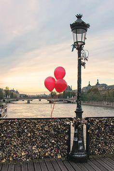 Red Balloons in Paris, Sunset on the Pont des Arts, Paris Photography, Paris Lock Bridge, Valentine's Day in Paris, French Home Decor, Red