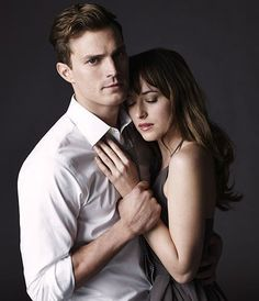 """Jamie Dornan & Dakota Johnson Hate Each Other, Fifty Shades Press Tour Has Been a """"Disaster,"""" Source Claims"""