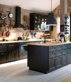 50 Best Kitchen Cabinets Design Ideas To Inspiring Your Kitchen 4 – Home Design Best Kitchen Cabinets, Kitchen Cabinet Design, Interior Design Kitchen, Grey Cupboards, Industrial Kitchen Design, Dark Cabinets, Black Kitchens, Cool Kitchens, Modern Farmhouse Kitchens