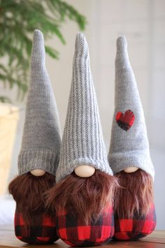 Buffalo+Plaid+JUNIOR+size+Christmas+Gnome++2017++Nordic+Gnome