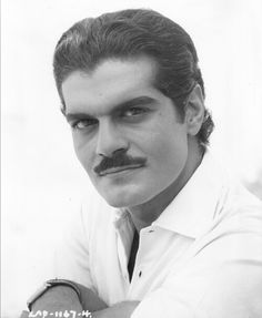 Omar Sharif - Back in his Dr. Zhivago days was soooo handsome. Hollywood Actor, Hollywood Stars, Classic Hollywood, Old Hollywood, Famous Men, Famous Faces, Famous People, Dr Zhivago, Doctor Zhivago