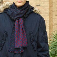 Fular hombre edición limitada, moda sostenible Look by LyLy Winter, Fashion, Sustainable Fashion, Navy Blue, Scarves, Elegant, Men, Winter Time, Moda