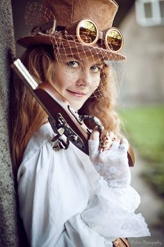 Steampunk hat with gogles and a veil!