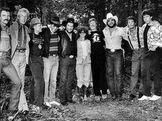 Aaron Tippin, Porter Wagoner, Willie Nelson, Bobby Bare, Waylon Jennings, Jessie Colter, Kris Kristofferson, Hank Williams Jr, Jim Varney and George Thorogood