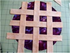 Cool DIY Potholders Looking Like Real Pies | Shelterness