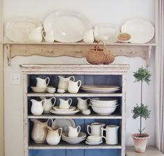 Love the blue background and the shelf