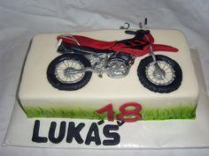 dort s motorkou cake motorcycle