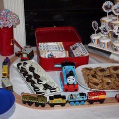 Thomas the train birthday party - Etsy.com/shop/pixels4parties