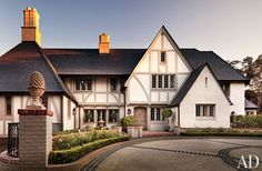 Traditional Exterior by Michael S. Smith Inc. and Ferguson & Shamamian Architects in Beverly Hills, California