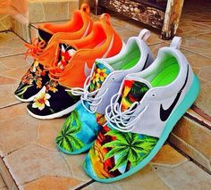 custom floral nike roshe run. ʝαу∂є ѕ. ❤️