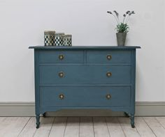 Are you interested in our vintage painted drawers? With our shabby chic antique drawers you need look no further.