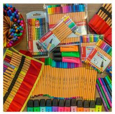The pencils look so soothing. Stationary Store, Stationary School, Cute Stationary, School Stationery, Study Room Decor, Cool School Supplies, School Suplies, School Essentials, Desk Organization