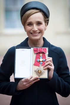 PHOTOS - Dame Kristin Scott Thomas is made a Dame Commander of the British Empire by Queen Elizabeth II during an Investiture ceremony at Buckingham Palace in London, UK Kristin Scott Thomas, Hm The Queen, Ice Queen, Robert Fox, Investiture Ceremony, Girls Boarding Schools, The English Patient, Judi Dench, Star Wars
