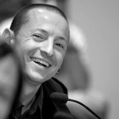 Chester Bennington ( lead singer - Linkin Park ) dead @ 41