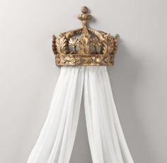 Demilune Gilt Crown Bed Canopy