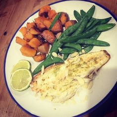 On the menu tonight... #Lime #Seabass #Butternutsquash #sweetpotato #sugarsnappeas #madeleineshaw #glowguides #week5 #glowgirls #glowgetter #healthyinspo #lifestyle #instafoodie #foodie #cleaneats #leaneating #cleaneating #fitlondoners #sugarfree #healthy #fishfriday #goodfriday by sugar_free_gee