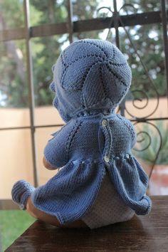 maslanitas: ¿Quieres hacer la ropita de tu nenuco o Antonio Juan tu misma? Baby Patterns, Knitting Patterns, Crochet Patterns, Baby Doll Clothes, Reborn Baby Dolls, Knitted Dolls, Baby Wearing, Vintage Designs, New Baby Products