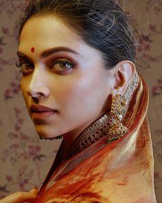 Deepika padukone Pregnancy pregnancy c-section scar pain Saree Poses, Dipika Padukone, Deepika Padukone Style, Saree Photoshoot, Photoshoot Style, India Fashion, Style Fashion, Fashion Beauty, Fashion Outfits