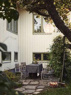5 rum på Norska gatan 34 | Villa | Kvarteret Mäkleri i Göteborg Future Islands, House Design, Patio, Architecture, Garden, Outdoor Decor, 30, Villa, Outdoors