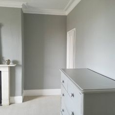 farrow and ball cromarty and woodwork in pointing with a white washed floor chromarty 285. Black Bedroom Furniture Sets. Home Design Ideas