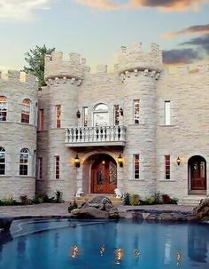 Can u tell I like houses that look like castles? ;-)