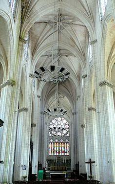 Abbatiale Saint-Maixent de Saint-Maixent-l'École — Wikipédia
