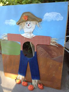 Scarecrow toss game for the Fall