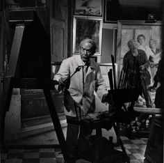 Italian artist Giacomo Balla at work in his studio, ITALY - Photo by Gjon Mili at Time & Life Pictures/Getty Images) Artist Art, Artist At Work, Gino Severini, Gjon Mili, Giacomo Balla, Italian Futurism, Italian Artist, Life Pictures, S Pic