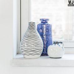hk-living-sfeerfoto-vaas-keramiek-blauw-gestreept-bol-cer0048_3_2.jpg (600×600)