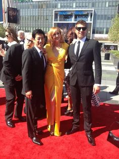 Mythbusters at the Emmys. Aww, those three look so handsome and cute- Hey!! Adam! What are you doing?!