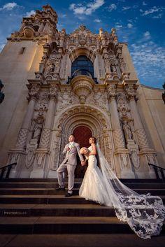 Hector Islas is a wedding photographer based in Los Angeles. Church Wedding Catholic, Church Weddings, Catholic Wedding Dresses, Romantic Wedding Photos, Wedding Pictures, Romantic Couples, Charro Wedding, Wedding Bible, Wedding List