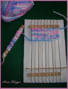 Yarn Crafts, Diy And Crafts, Crafts For Kids, Arts And Crafts, Weaving Textiles, Weaving Patterns, Weaving Projects, Craft Projects, Weaving Loom Diy