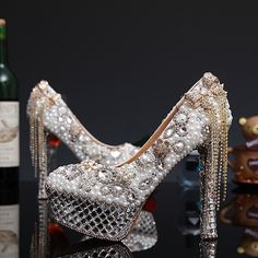 108.37$  Watch here - http://ali0pj.worldwells.pw/go.php?t=32704959056 - 2016 Luxury Lady White Pearl Rhinestone Party Dress Shoes Thin Heels Shoes Crystal Pearl High Heels Bridal Wedding Dress Shoes 108.37$