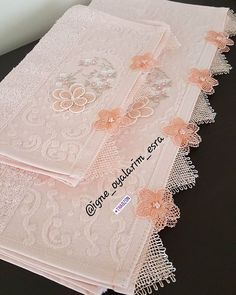 This post was discovered by fa Muslim Prayer Mat, Cheese Cloth, Needle Lace, Bargello, Projects To Try, Diy, Lace, Needlepoint, Hand Knitting