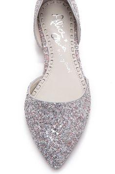 Alice + Olivia Hilary Diamond Glitter Flats instead of heels. Pretty Shoes, Beautiful Shoes, Cute Shoes, Me Too Shoes, Fancy Shoes, Bridal Shoes, Wedding Shoes, Wedding Makeup, Wedding Stuff