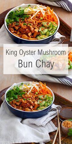 King Oyster Mushroom Bun Chay – Famous Last Words Vegetarian Mushroom Recipes, Vegan Dinner Recipes, Vegan Recipes Easy, Asian Recipes, Sushi Recipes, Vietnamese Recipes, King Oyster Mushroom Recipe, Mushroom Dish, King Mushroom