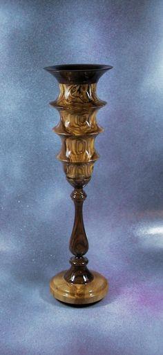 Goblet made of olive wood and walnut. By Pakito Soriano. Copa realizada en madera de olivo y nogal. PAKITO SORIANO