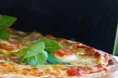 Wen 'n kettleCADDY Pizza Oond ter waarde van 000 - Voelgoed Portable Pizza Oven, Hawaiian Pizza, Pepperoni, Van, Food, Essen, Meals, Vans, Yemek