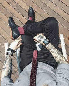 mvmt, mvmt watches, calça skinny, moda masculina, men style, men street style, street style, men formal style, socks, meia colorida, gravata slim, slim tie, acessórios masculinos, pulseiras masculinas, men bracelets, barra da calça dobrada, barra dobrada,