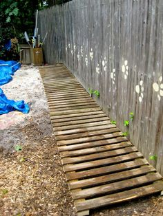 Reclaimed fence to boardwalk - Tacoma Park Cooperative Nursery School Kids Indoor Playground, Playground Ideas, Preschool Garden, Dog Yard, Building A Fence, Diy Pallet Projects, Pallet Ideas, Modern Fence, Outdoor Classroom